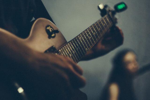 後悔しないギタークリップチューナーのオススメ4選